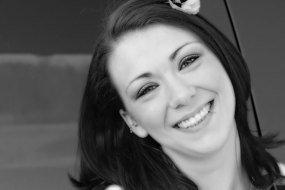 Wausa NE Dentist | Are Dental Veneers Right for Me?